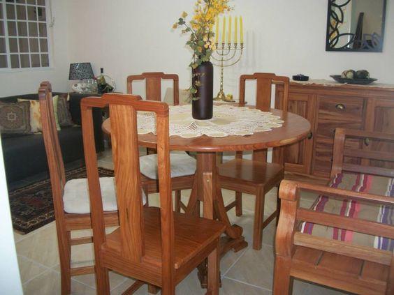 Sala de jantar madeira feito a mão na amazonia. Cuitiba.