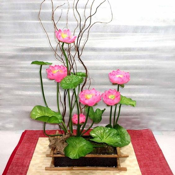 Lotus Ikebana (flower arrangement)