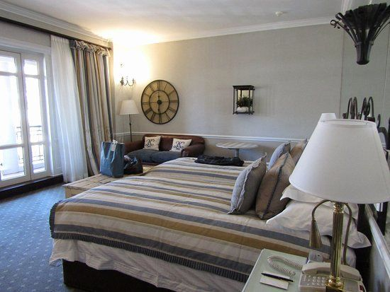 Normal Bedroom Interior Design Awesome A Typical Room With All Amenities D D D D N D D Dµd D Dµ Cape Grace Dsdµd D N D Nƒd Bedroom interior design normal