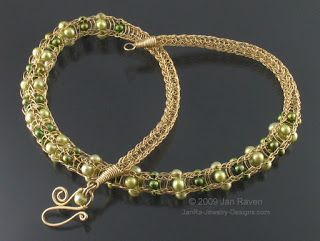 Bebeca Crafts: Viking Knit