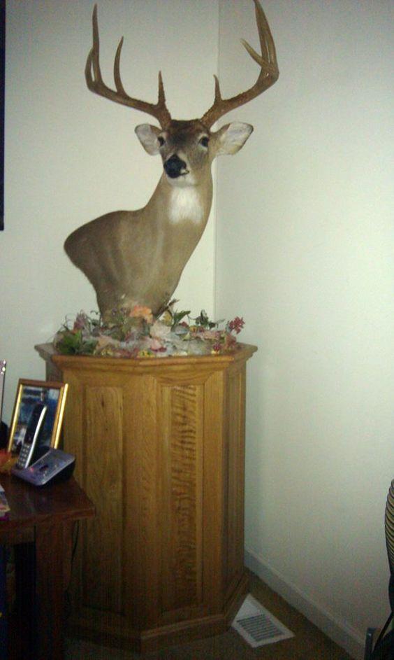 Oak Deer Pedestal