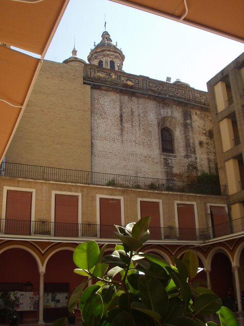 El misterio de la Facultad de Bellas Artes de Sevilla...... 2542b203080ab8680bfe1783eb0a1eb7