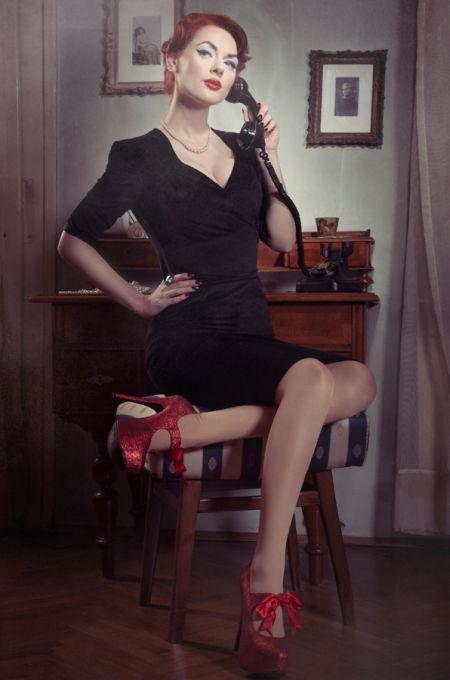 "A modelo pin-up ruiva Ivana ""Gretel Macabre"" - Sexy pin-up"