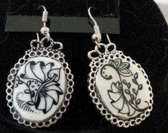 Zentangle Inspired Pierced Earrings - Silver colored Bezel - Shrinky DInk - Oval shaped design