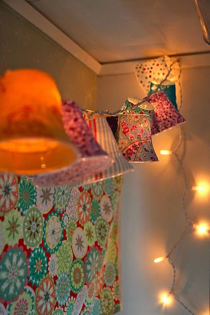 clear plastic cups + fabric + Christmas lights = SUPER cute lighting: Plastic Cups, Diy Lampshades, Christmas Lights, String Lights, Diy Craft, Fairy Lights, String Of Lights, Lamp Shades