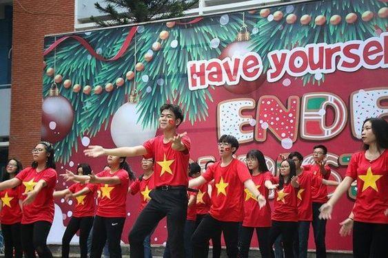 Áo cờ Việt Nam trường THPT Nguyễn Du - Hình 3