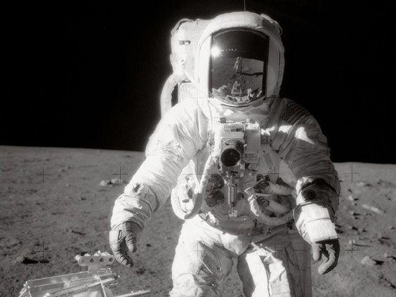 Nuevo vídeo Impresionante Muestra Actividad Ovni en la Luna