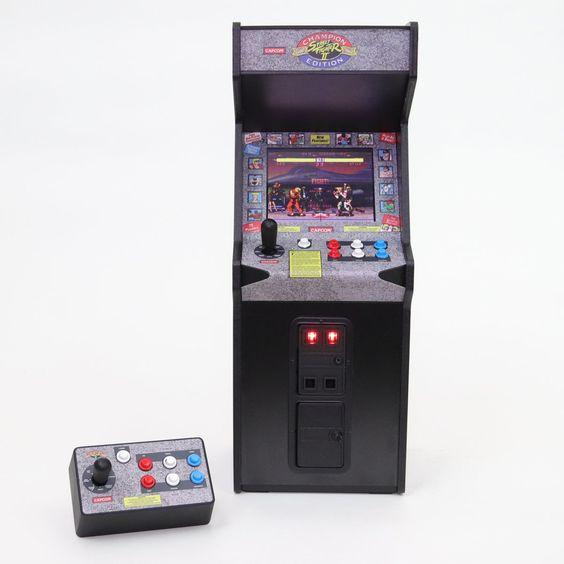 NEW PRODUCT: New Wave Toys Street Fighter II x RepliCade  255699f3b804dc0ea59a44b002c00df7