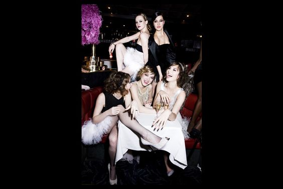 """""""Belles de Match"""" - Paris Match, 3/25/09: Christa Theret, Mylène Jampanoï (en ht), Déborah François, Léa Seydoux et Louise Bourgoin"""