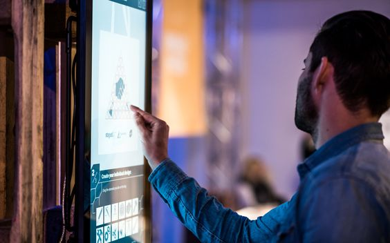 DesignBox, Designstation, Design, drucken, Textilien, Sublimationsdruck, PopUp-Store, Staged, Eventtool, Booking, Creativity
