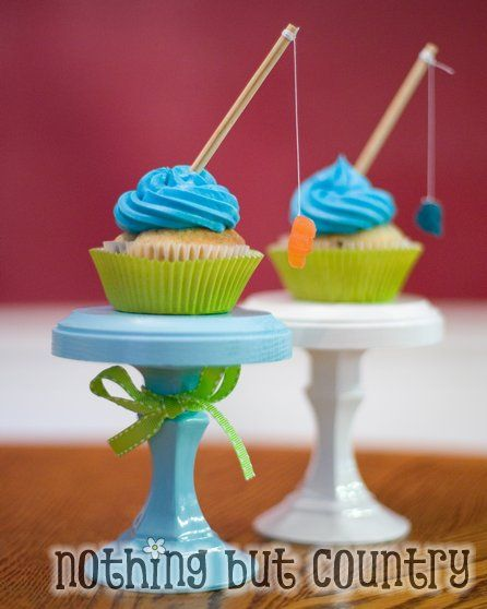 Fishing Cupcakes! Perfect cupcake - blue frosting, skewers and some string make these a great catch!