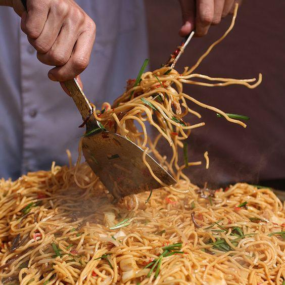 ผลการค้นหารูปภาพสำหรับ yakisoba street food