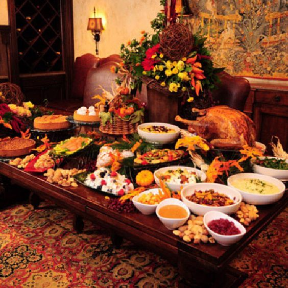 36 Thanksgiving Decorating Ideas And Traditional Recipes: Thanksgiving Buffet Table Ideas.