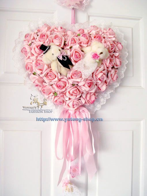 Wedding bear wreath door decoration of roses