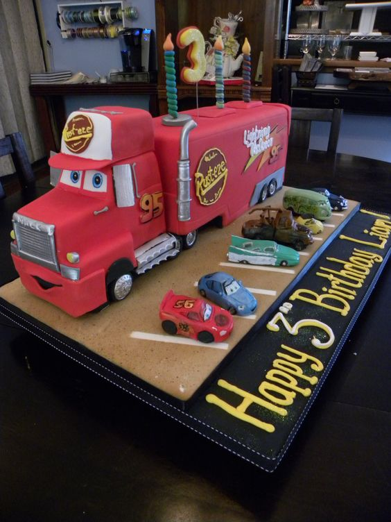 Mack!  Lightning McQuenns right hand man... in cake!  All CARS figures on board are edible too.