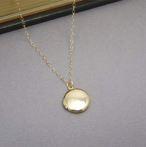 Gold Locket Vintage 68