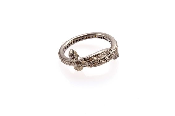 Composizione: argento 925  con rodio nero micro pavė con diamanti ice  Dimensione : 17
