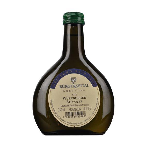 Abgefüllt in 0,25l Mini #Bocksbeutel Flaschen ist der #Silvaner. Ein guter #Frankenwein.