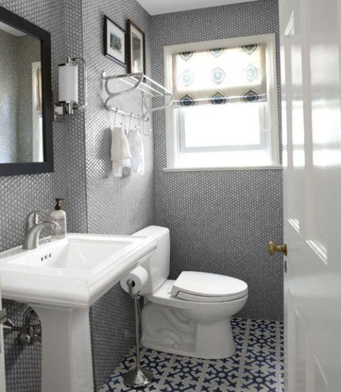 10 Beautiful Bathroom Makeovers Small Bathroom Makeover Bathroom Makeover Beautiful Bathrooms