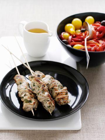 Spiedini di pollo in salsa tzatziki: la ricetta alla greca