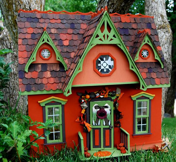 Fairy house: site for a Halloween party treasure hunt: