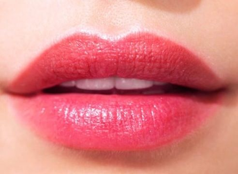 Dear Ladies! Follow these simple tips & keep your lips kissable.