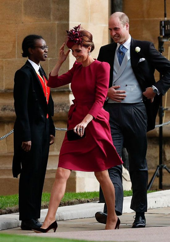 Dona Letizia Maxima Kate Las Royals Tambien Compran La Misma Prenda En Varios Colores Eugenie Wedding Kate Middleton Dress Alexander Mcqueen Dresses
