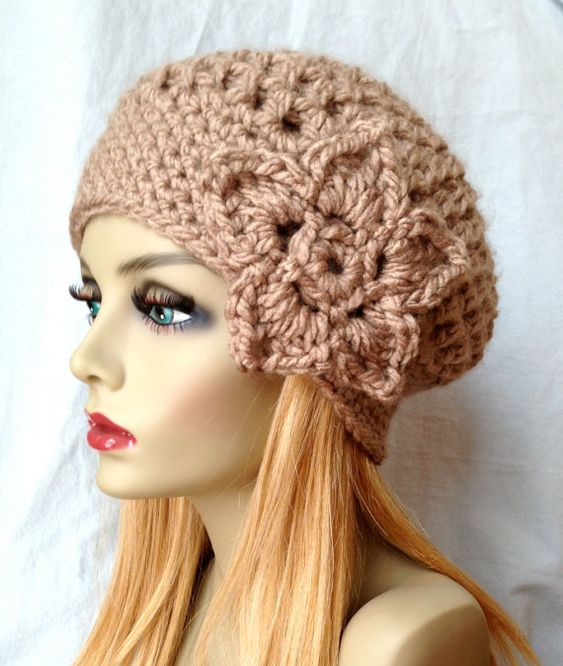 24 Lady French Beret For Work outfit fashion casualoutfit fashiontrends