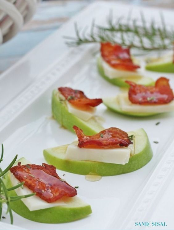 Thanksgiving Appetizer - Honey Drizzled Apple Gouda Bacon ...