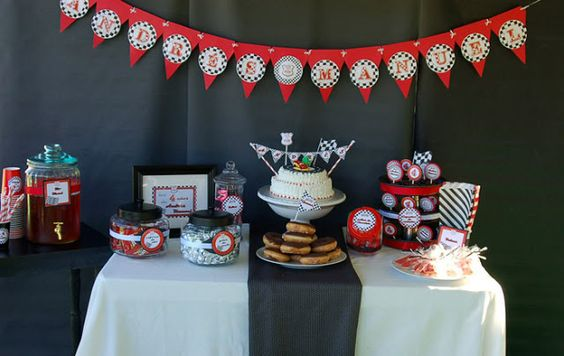 Fiestas al estilo Fara Party Design- Carros de Carrera ~ Little things Creations