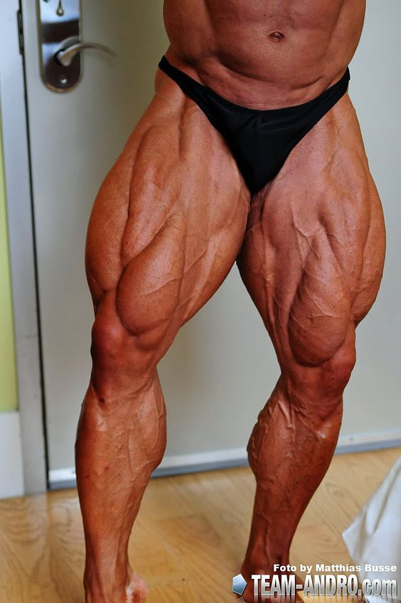 Amazing Muscle Legs: German Bodybuilder Ronny Rockel http