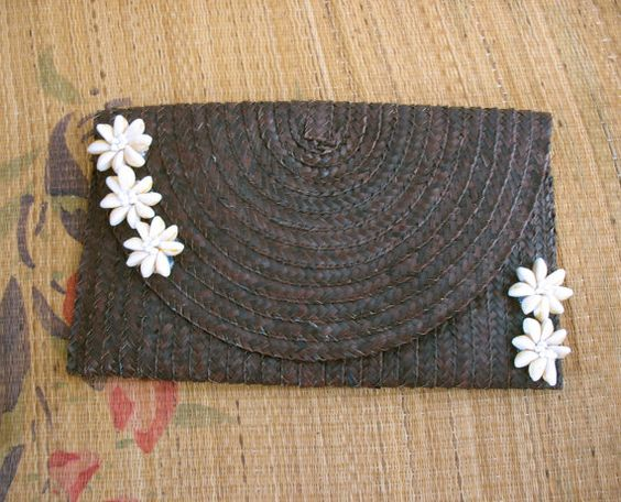 Vintage woven straw clutch bag. boho handbag. by SwanDiveVintage, $20.00