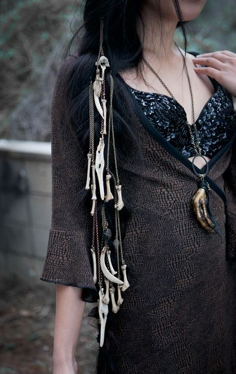 I really love the bones. Ill have to throw something like this together.