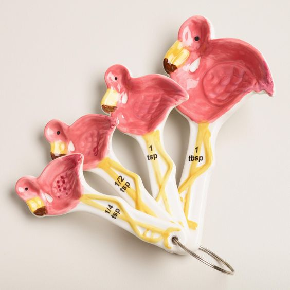 pink flamingo measuring spoons