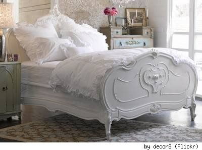 shabby chic vintage bedding..my idea for the next apartment!