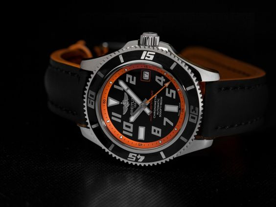 Grote waterdichtheid en een robuuste stalen kast. Dat zijn de kenmerken van het Breitling Superocean horloge.