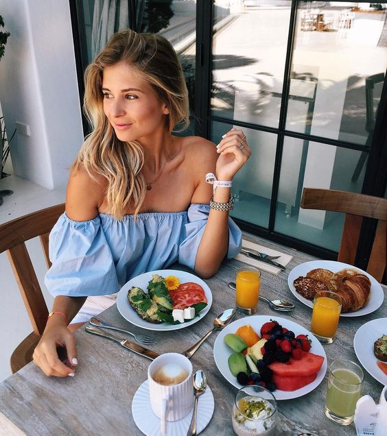 Brunch at your favorite café​- 21 self date ideas to treat yourself - OurMindfullife.com