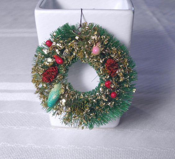 """Tiny 3"""" Bottlebrush Putz Style Wreath for your Vintage Christmas Village - just adorable!"""