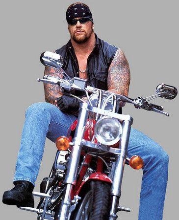 My favorite wrestler.... Undertaker <3<3<3