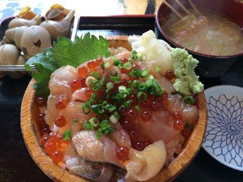 新宿で新鮮・豪快な魚定食を食べるならココ!タカマル鮮魚店