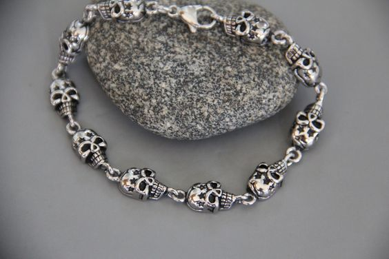 bracelet skulls (cranes ) en acier noirci inoxydable (modèle déposé) : Bijoux pour hommes par made-with-love-in-aiacciu