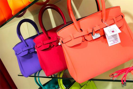 Rendi il tuo stile unico con la collezione di borse Save My Bag! Hai già visto tutti i colori primaverili? 😊 Disponibili su www.RICCISHOP.it 🔝💓 #savemybag #borsa #donna #woman #bags #fashion #glamour #colorata #borse #accessori #creazioni #mare #madeinitaly #milano #accessori #lavoglio #donne #frosinone #stile #bella #moda #dettagli #formia #bag #ragazzina #loveit #colors #colori #molise
