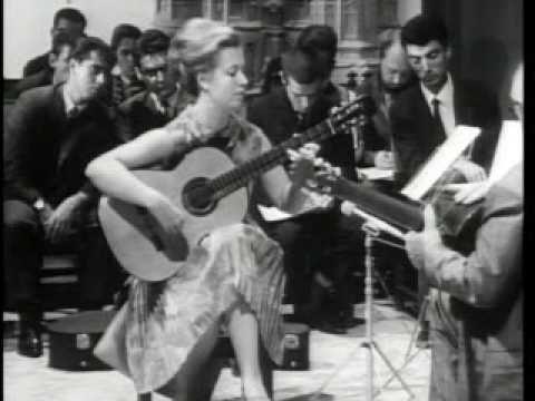 Andrés Segovia (Master Class 1965) with Brigitte Zaczeck (part 1) - YouTube