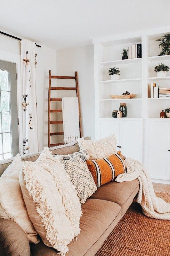 How Mixing Furniture Styles Living Room Works In 2020 Farm House