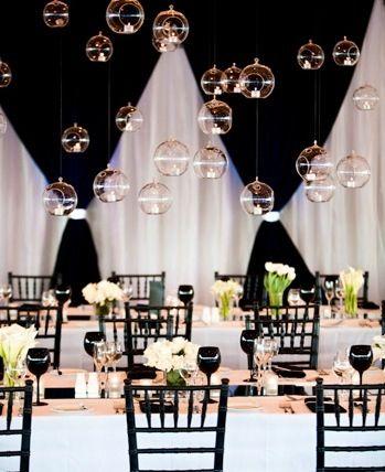 Monochrome wedding decoration #RenshawDreamWedding