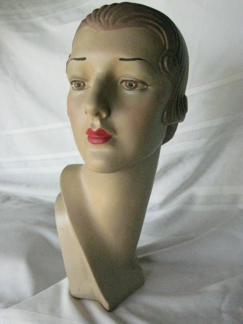 Mannequin Head Advertising Display