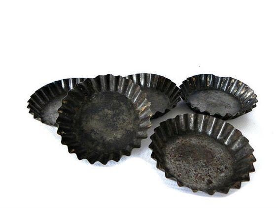 French Vintage Tart Tins metal set of five