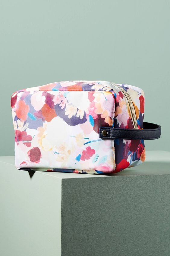 Shop the Floral Overlay Cosmetic Case and more Anthropologie at Anthropologie today. Read customer reviews, discover product details and more.