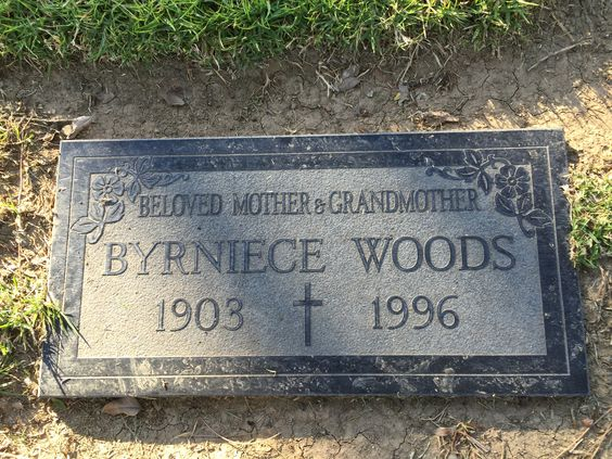 Byrniece Unada Young Woods (1903 - 1996) - Find A Grave Photos