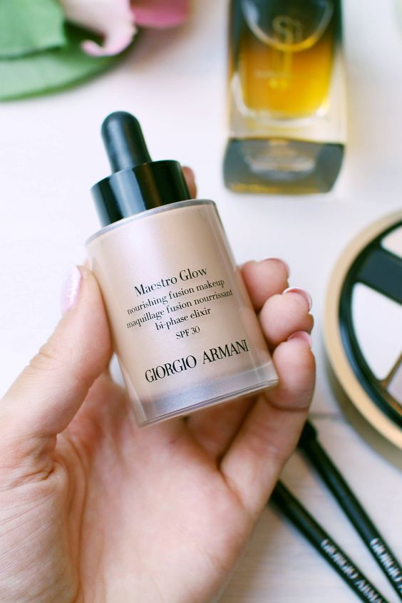 Maestro Glow by Giorgio Armani is my current favourite foundation for a fresh natural glow!